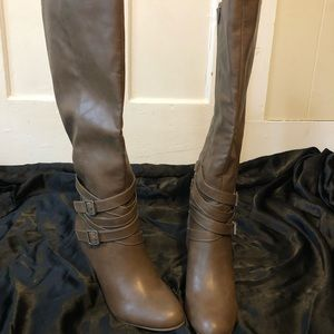 Knee high brown boots size 8 brand new